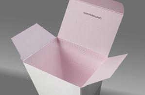 inside of the Amo fragance carton